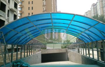 河北崇城国际三层阳光板1000平车库