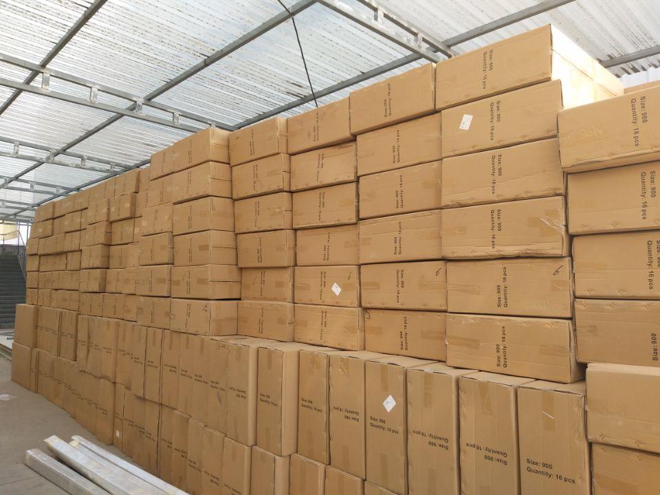 优尼科两千多套澜雨系列雨蓬整装待发出口斯里