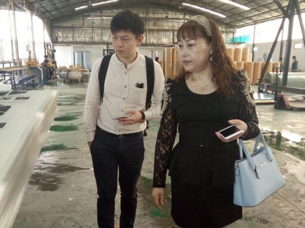 泰国客户来我厂进行实地考察