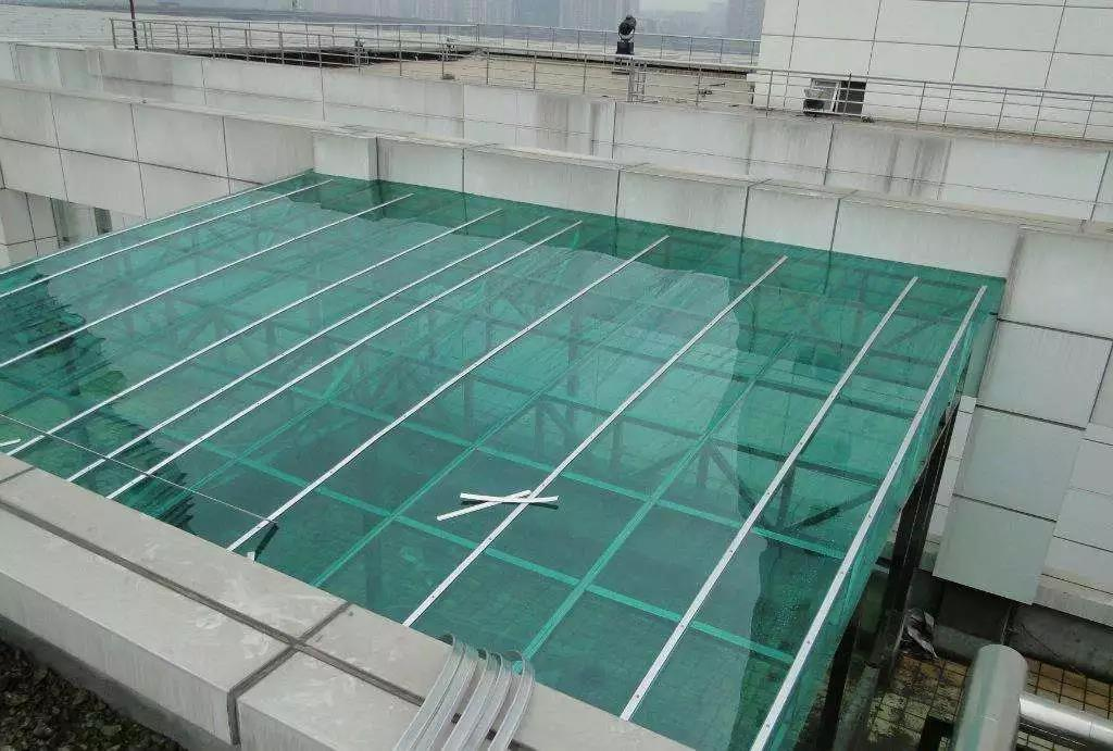 阳光板雨棚