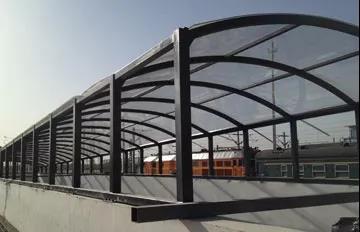 包头火车站耐力板通道雨棚