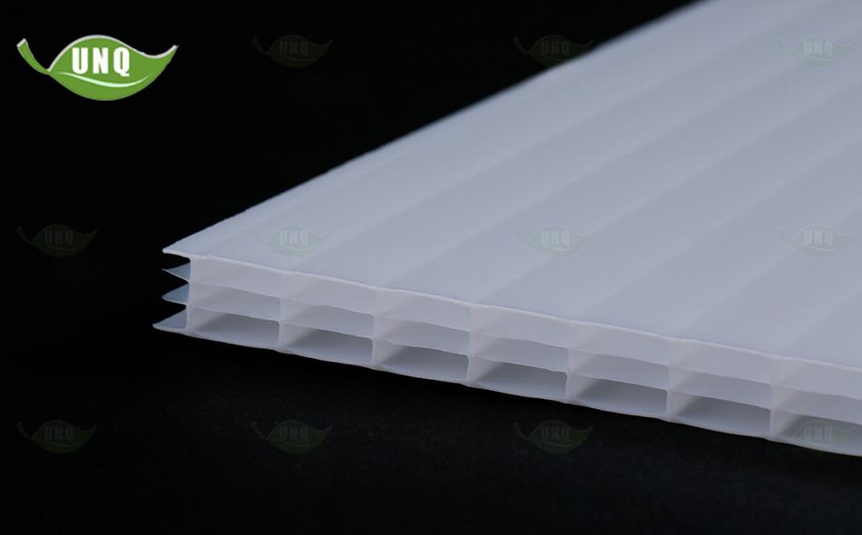 14mm乳白四层阳光板