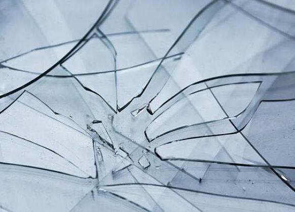 阳光板和玻璃有什么区别?河北优尼科告诉你两者的区别