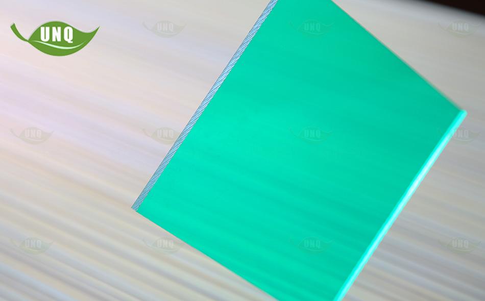 优尼科草绿实心耐力板
