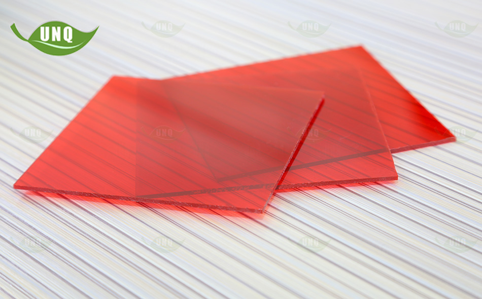 红色实心耐力板
